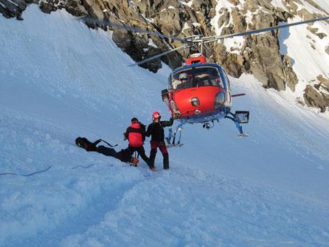 Hubschrauber am Gletscher