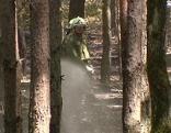 Feuerwehr löscht Waldbrand