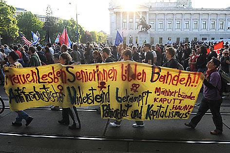 Kundgebung gegen Totengedenken