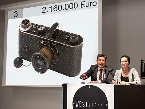 Versteigerung der teuersten Kamera der Welt in der Galerie Westlicht
