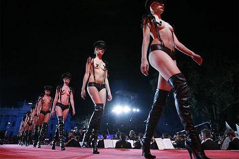Modeschau von Agent Provocateur beim Life Ball 2008
