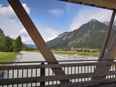 Lech von einer Lechbrücke aus