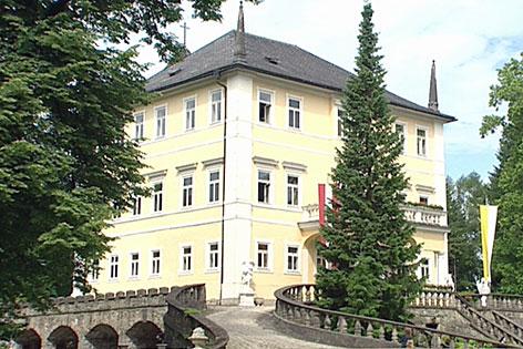 Die Emsburg an der Hellbrunner Allee in der Stadt Salzburg