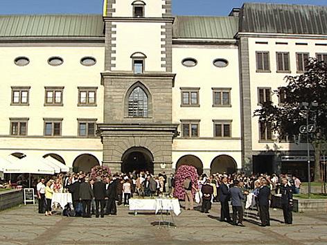 Feier vor Dom Bischof Alois Schwarz