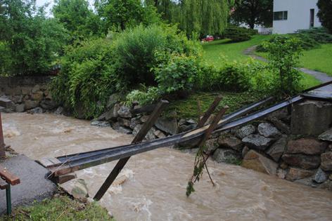 Brücke wurde weggerissen