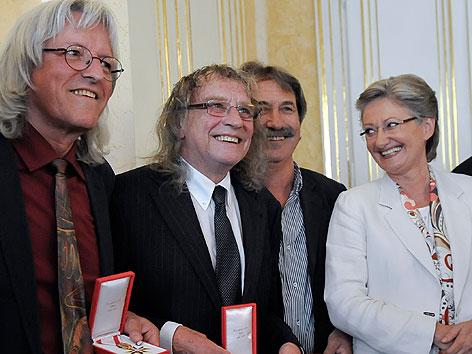 Günter Timischl, Schiffkowitz und Gert Steinbäcker (STS) mit Kulturministerin Claudia Schmied