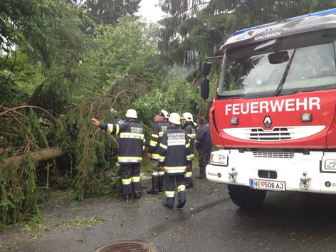 FF Kirchbach bei Aufräumarbeiten nach Unwetter