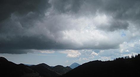 Gewitter Wetter Alpen Blitz Sturm Gebirge Chiemgauer Alpen Gewittersturm Blitzschlag Tiefdruck Regen Starkregen