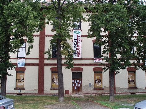 Besetztes Haus in Neufeld