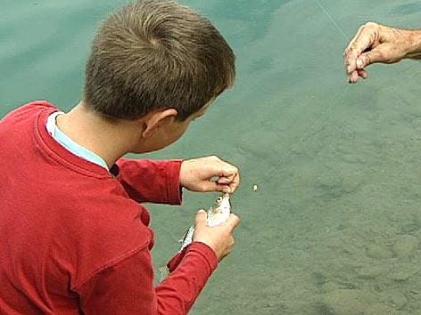 Kind, fischen, angeln, Angelschnur, Fisch