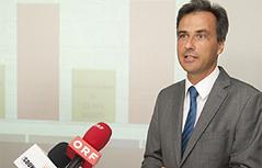 Bürgermeister Siegfried Nagl bei der Präsentation der Grazer Bürgerbefragung