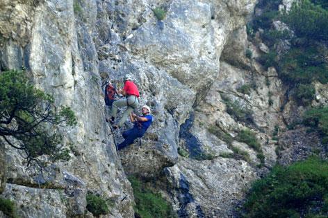 Klettersteigset Notwendig : Klettersteigset riss tödlicher absturz tirol.orf.at