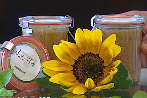 Glas mit dem Honigsenf