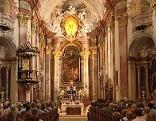 Kirchenmesse von innen