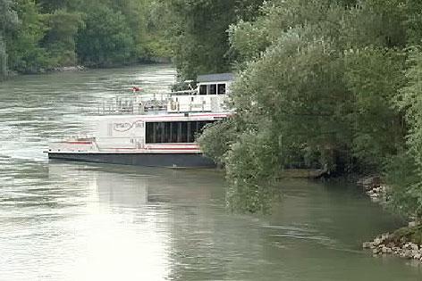 Twin City Liner rammt Ufer