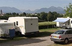 Wohnmobile am Campingplatz Panoramacamping Stadtblick