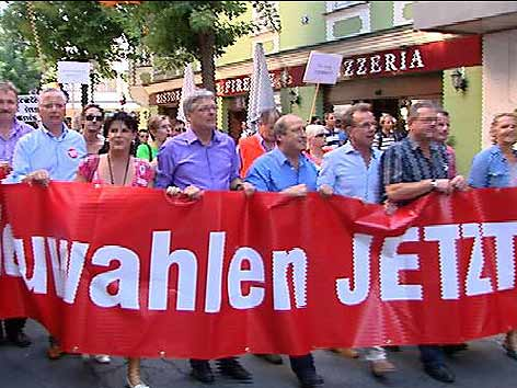 Demonstration Neuwahlen