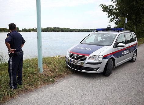 Explosion mit einer hohen Fontäne in der Donau