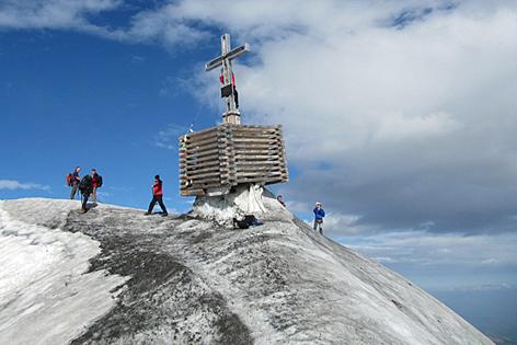 Klimawandel und Abschmelzung: Großvenediger verliert Gipfelkreuz