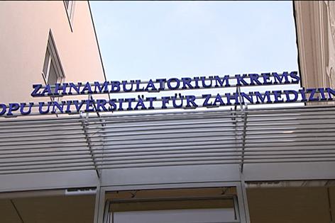 Eingangsbereich des Zahnambulatoriums