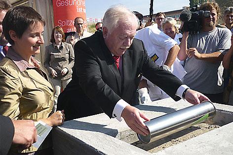 Gesundheitsstadträtin Sonja Whesley und Bürgermeister Michael Häupl