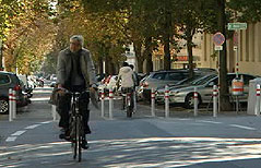 Radfahrer in der Hasnerstraße in Ottakring