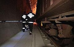 Feuerwehrmänner bei Übung im Lainzer Tunnel