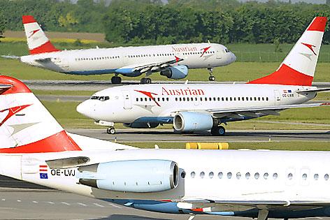 AUA Boeing 737