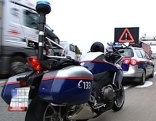 Stau nach Unfall auf der Autobahn