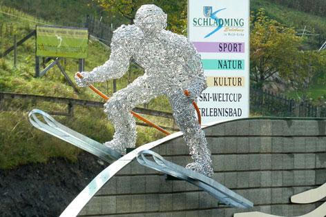 Skifahrer Skulptur Schladming