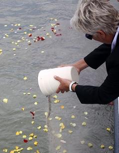 Aschenverstreuung in der Donau