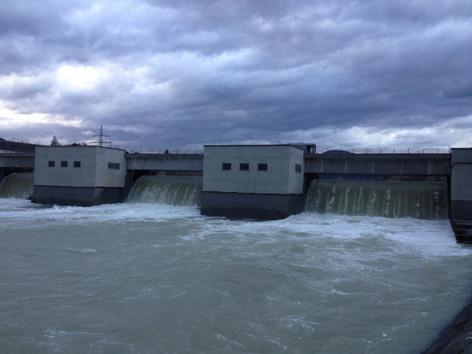 Wasser aus Draukraftwerk Lavamünd wird abgelassen
