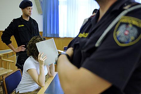 Estibaliz C. im Gerichtssaal