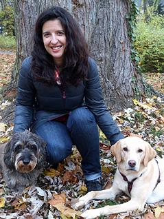 Tierärztin Natalie Franiek mit Hunden