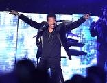 Lionel Richie während eines Konzertes am Donnerstag, 22. November 2012 in der Wiener Stadthalle.