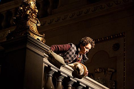 """""""Die Wand"""" im Burgtheater"""