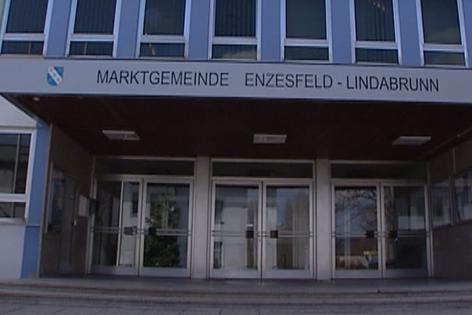 Rathaus Enzesfeld-Lindabrunn