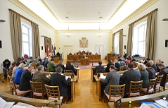 Landtag Salzburger Landtagssitzung Politik Politiker Burgstaller Haslauer Brenner Finanzskandal