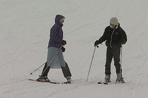 Muslime beim Skifahren