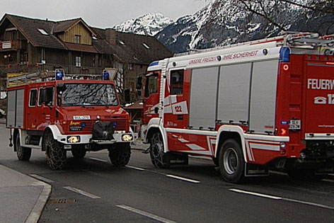 Feuerwehr-Autos aus Österreich und Bayern