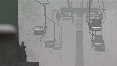 Einzelsessellift am Muckenkogel bei Nebel