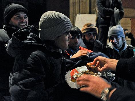 Asylwerber in der Votivkirche nach Beendigung des Hungerstreiks