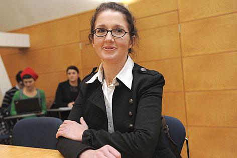 Monika Rathgeber vor dem Arbeitsgericht