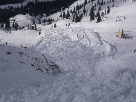 Schneemassen von Lawine