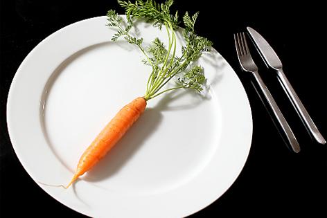 Karotte auf einem Teller