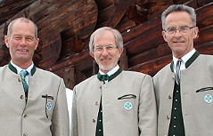 Von links: Klaus Wagenbichler (stellv. Landesleiter, Estolf Müller (Landesleiter), Balthasar Laireiter (stellv. Landesleiter) der Salzburger Bergrettung