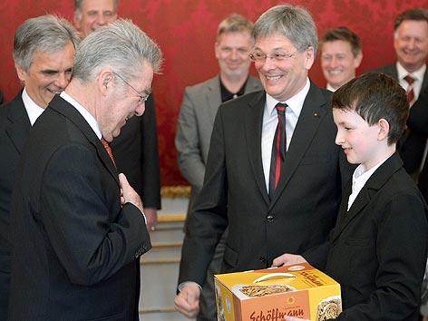 Angelobung Kaiser Hofburg Reindling