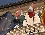 Fahnen Europahaus Klagenfurt außen