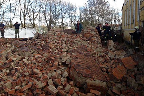 Turmsprengung Mautner Markhof Klagenfurt 10.00 Uhr Schlot