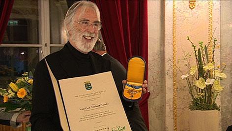 Haneke mit NÖ-Ehrenzeichen